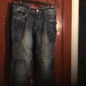 Men blue stonewashed jeans